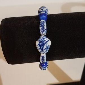 Blue and white bracelet j180